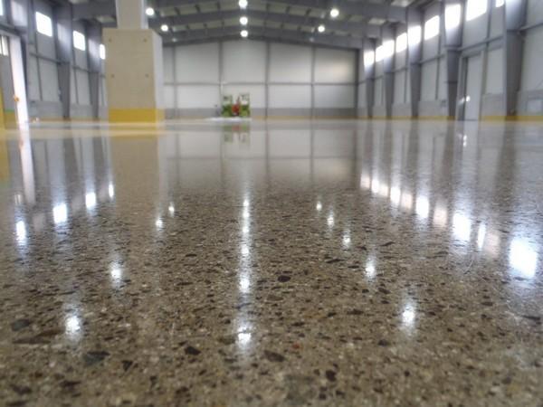 Как сделать гладкий бетонный пол